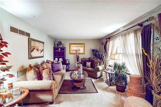 9431 Sycamore Court, Kansas City, MO 64138 (#2244001) :: Five-Star Homes