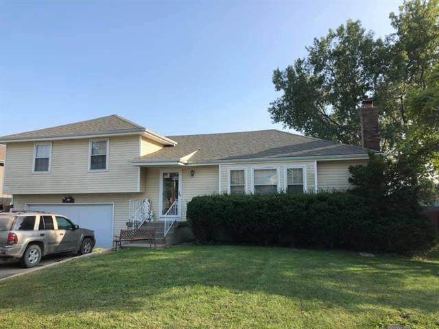 1203 Lee Lane, Raymore, MO 64083 (#2244099) :: Five-Star Homes