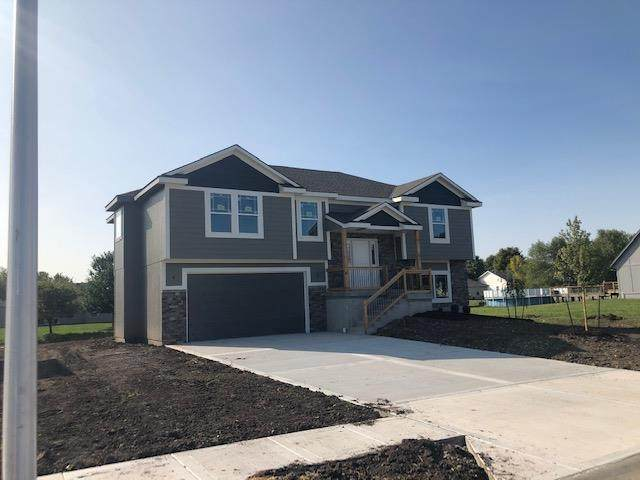 812 S Sunset Lane, Raymore, MO 64083 (#2244183) :: Jessup Homes Real Estate | RE/MAX Infinity