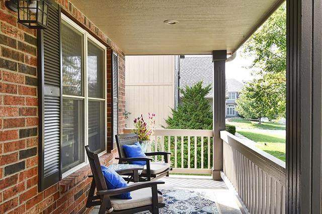 25605 E 31st Terrace, Blue Springs, MO 64015 (#2244191) :: Ron Henderson & Associates