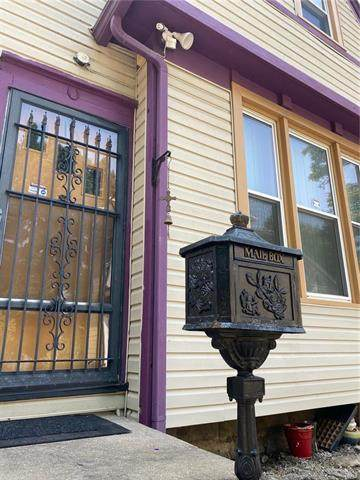 1108 S 3rd Street, Leavenworth, KS 66048 (#2244268) :: House of Couse Group
