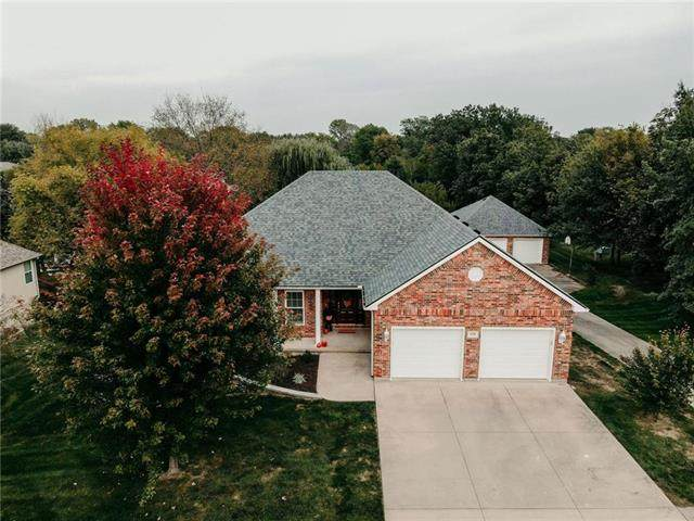 526 S Johnson Drive, Odessa, MO 64076 (#2244286) :: Edie Waters Network