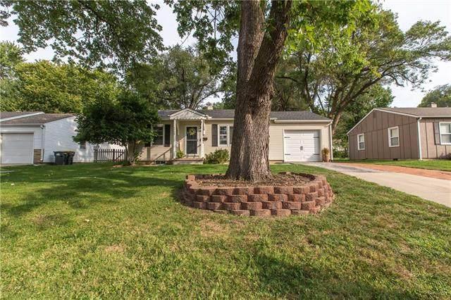 7708 W 64th Terrace, Overland Park, KS 66202 (#2244298) :: Dani Beyer Real Estate