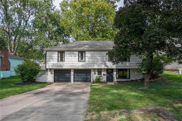 9216 Wedd Drive, Overland Park, KS 66212 (#2244300) :: Dani Beyer Real Estate