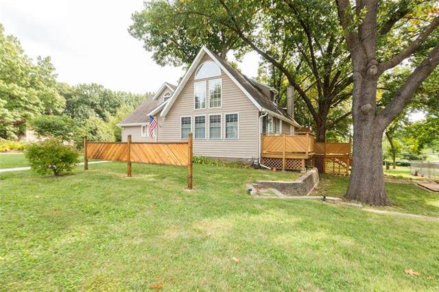 8101 W 66 Terrace, Merriam, KS 66202 (#2244339) :: Team Real Estate
