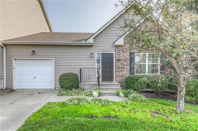 4000 NW 94th Terrace, Kansas City, MO 64154 (#2244340) :: Edie Waters Network