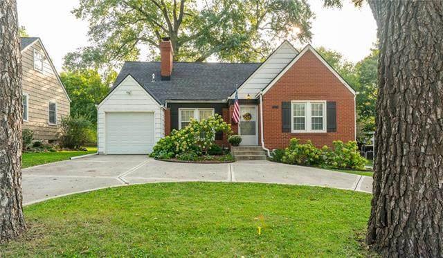 5627 Roe Boulevard, Roeland Park, KS 66205 (#2244346) :: Team Real Estate