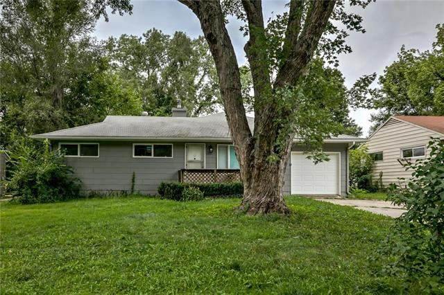 11412 Manchester Avenue, Kansas City, MO 64134 (#2244368) :: Edie Waters Network