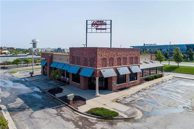 1702 Village West Parkway, Kansas City, KS 64111 (#2244411) :: Ron Henderson & Associates