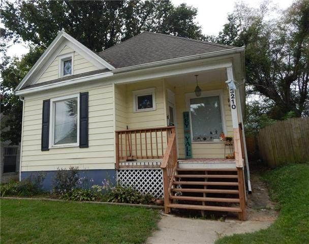 3210 Mitchell Avenue, St Joseph, MO 64507 (#2244425) :: Edie Waters Network