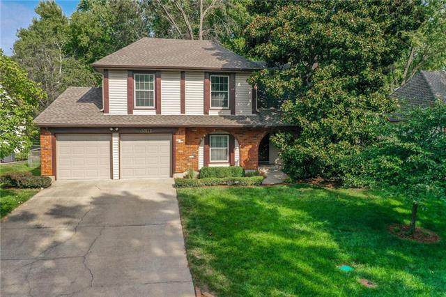 10112 W 98th Street, Overland Park, KS 66212 (#2244534) :: The Shannon Lyon Group - ReeceNichols