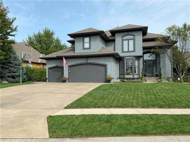 12710 W 138th Terrace, Overland Park, KS 66221 (#2244583) :: The Shannon Lyon Group - ReeceNichols