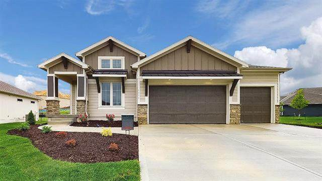 16457 Stagecoach Street, Olathe, KS 66062 (#2244639) :: The Shannon Lyon Group - ReeceNichols