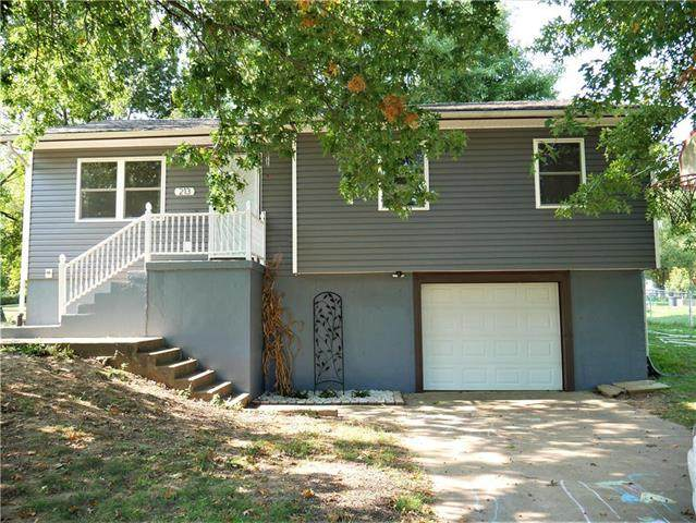 213 SE 51 Road, Warrensburg, MO 64093 (#2244644) :: Austin Home Team