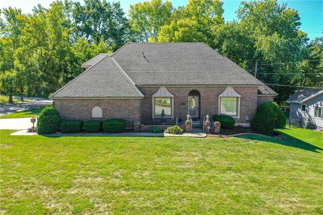 3805 NE 60th Street, Gladstone, MO 64119 (#2244716) :: Ron Henderson & Associates