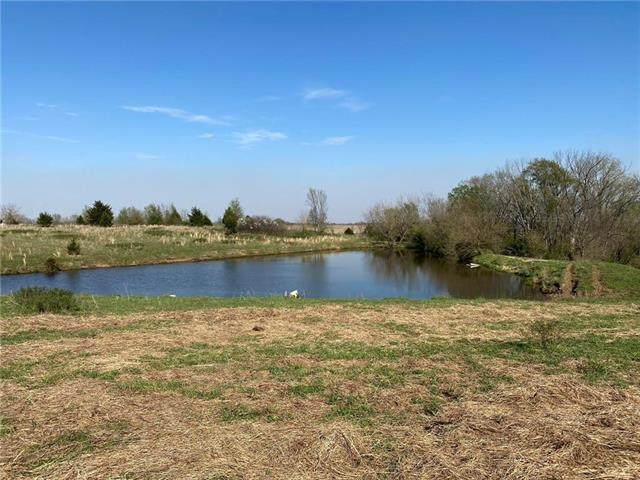 000 W 500 Road, Blue Mound, KS 66010 (#2244723) :: House of Couse Group