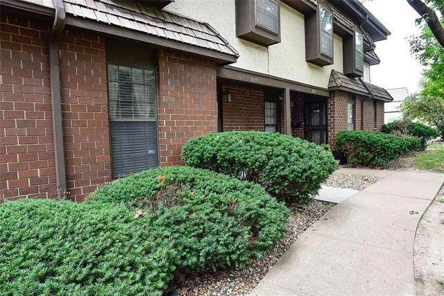 10219 Locust Street, Kansas City, MO 64131 (#2244763) :: Ron Henderson & Associates