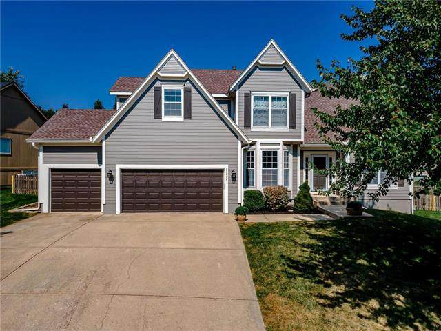 22602 W 49th Terrace, Shawnee, KS 66226 (#2244788) :: Ron Henderson & Associates