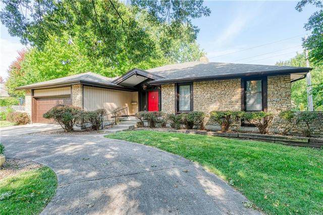 12743 Overbrook Road, Leawood, KS 66209 (#2244824) :: Ask Cathy Marketing Group, LLC
