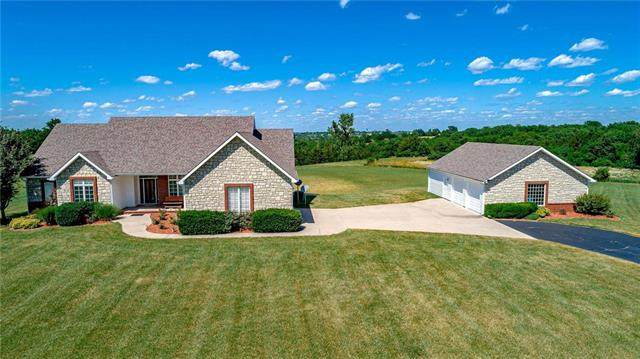 22 Wheatland Drive, Ottawa, KS 66067 (#2244860) :: Edie Waters Network