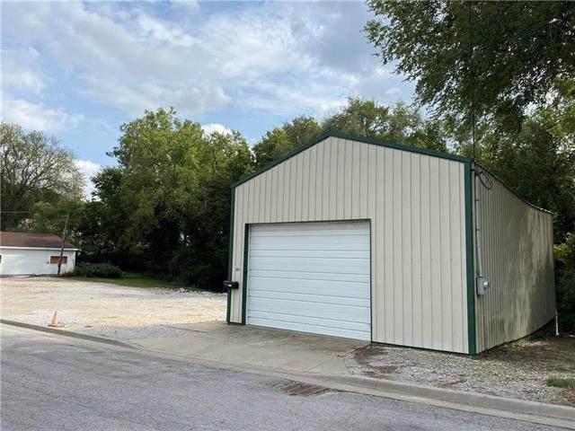 1013 South Street, Lexington, MO 64067 (#2244975) :: The Kedish Group at Keller Williams Realty