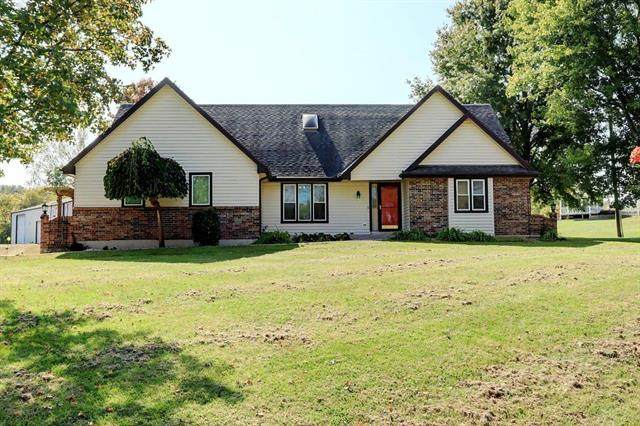 31105 E Pink Hill Road, Grain Valley, MO 64029 (#2245043) :: Five-Star Homes