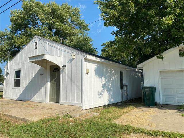 207 E Lucy Street, Mclouth, KS 66054 (#2245049) :: Jessup Homes Real Estate | RE/MAX Infinity