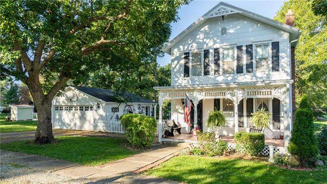 202 S Doyle Street, Louisburg, KS 66053 (#2245150) :: The Kedish Group at Keller Williams Realty