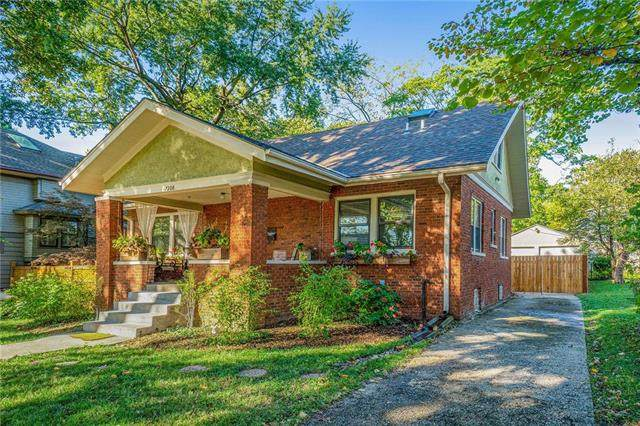 7208 Washington Street, Kansas City, MO 64114 (#2245204) :: Five-Star Homes