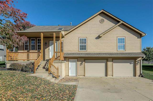 226 SW Albatross Court, Lee's Summit, MO 64082 (#2245215) :: Beginnings KC Team