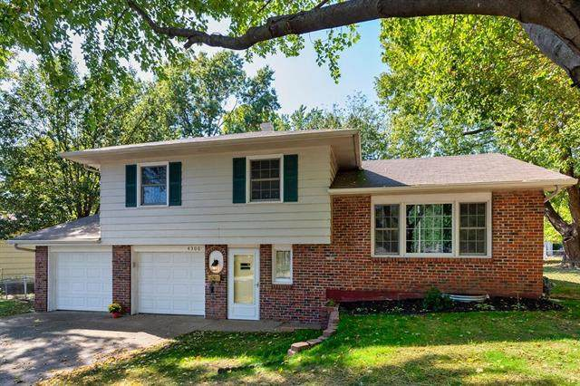 4300 S Delaware Avenue, Independence, MO 64055 (#2245274) :: Edie Waters Network