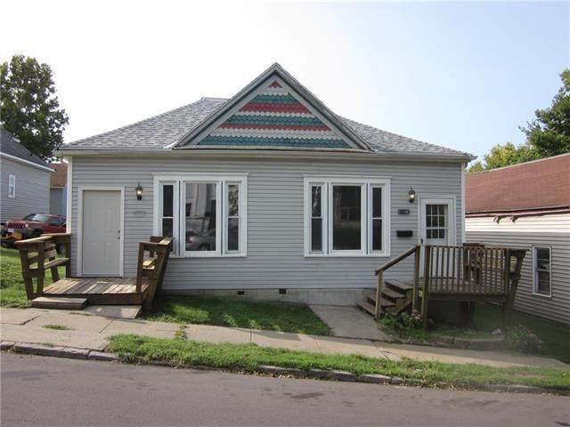 1106 Olive Street, St Joseph, MO 64503 (#2245351) :: The Kedish Group at Keller Williams Realty