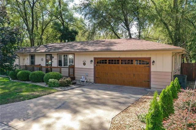 104 N Central Street, Buckner, MO 64016 (#2245381) :: Team Real Estate