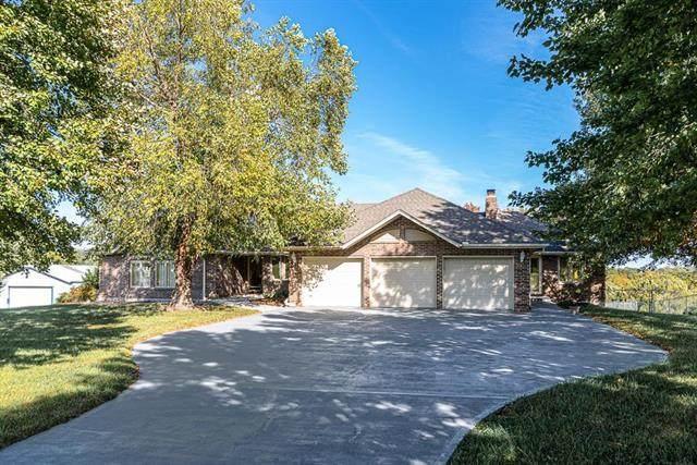4901 N 115TH Street, Kansas City, KS 66109 (#2245517) :: Ron Henderson & Associates