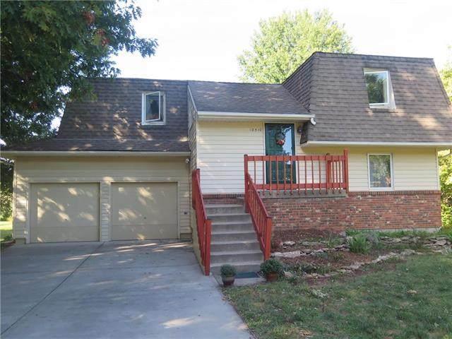 10510 W 170th Terrace, Overland Park, KS 66221 (#2245520) :: Austin Home Team