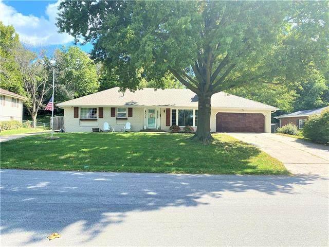 2207 N 18th Street, St Joseph, MO 64505 (#2245631) :: Team Real Estate