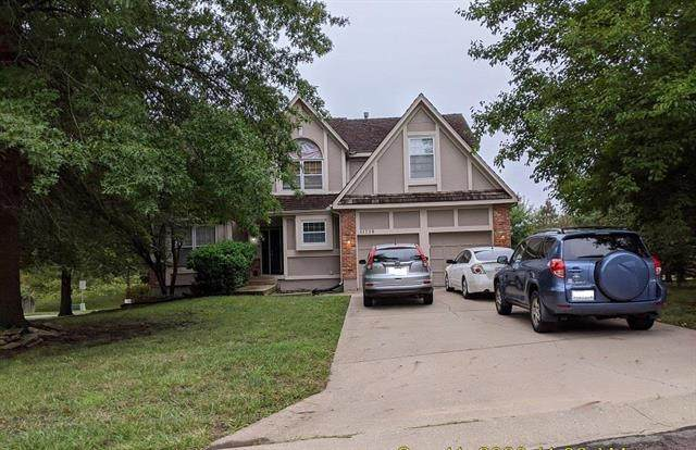 11738 Garnett Street, Overland Park, KS 66210 (#2245647) :: Team Real Estate