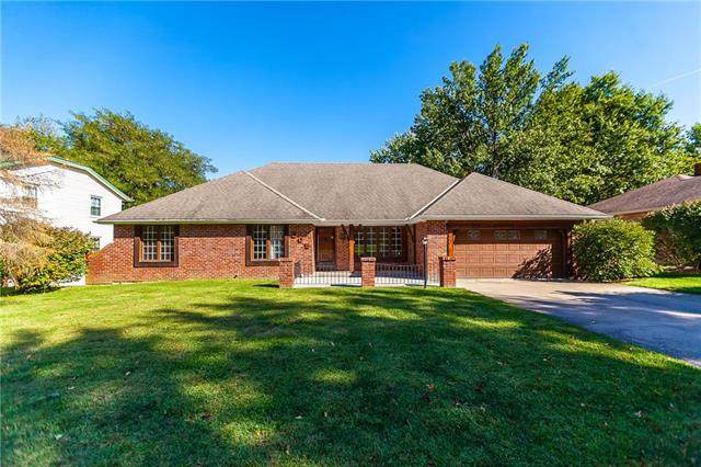505 Greenbriar Terrace, St Joseph, MO 64506 (#2245777) :: Ron Henderson & Associates
