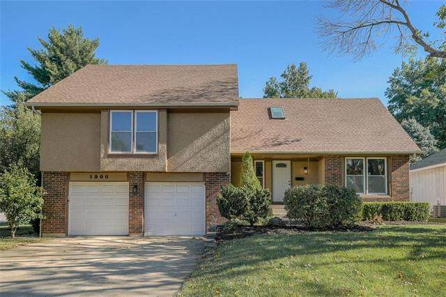 1900 SW New Orleans Avenue, Lee's Summit, MO 64081 (#2245786) :: Ask Cathy Marketing Group, LLC