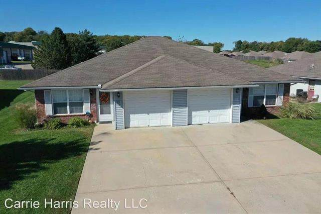 500 NW Woodbury Drive, Grain Valley, MO 64029 (#2245817) :: The Kedish Group at Keller Williams Realty
