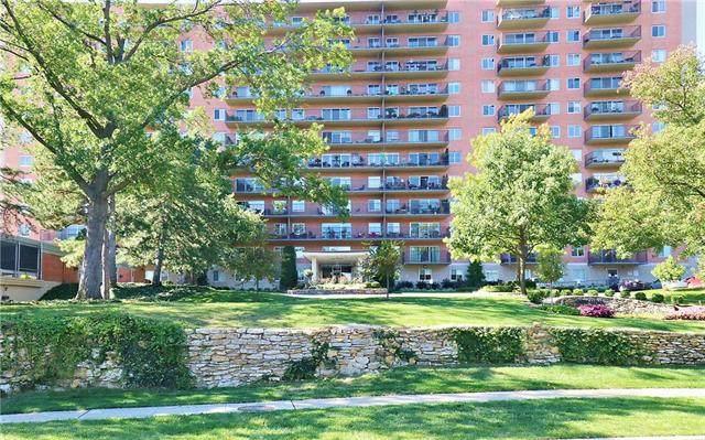 4550 Warwick Boulevard #502, Kansas City, MO 64111 (#2245839) :: Dani Beyer Real Estate