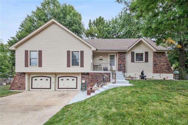 501 NW Brock Circle, Blue Springs, MO 64014 (#2245842) :: House of Couse Group