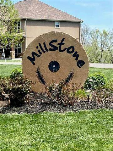 14183 Millstone Boulevard, St Joseph, MO 64506 (#2246000) :: Edie Waters Network