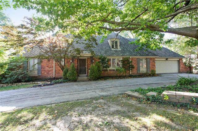4609 W 82nd Street, Prairie Village, KS 66208 (#2246090) :: House of Couse Group