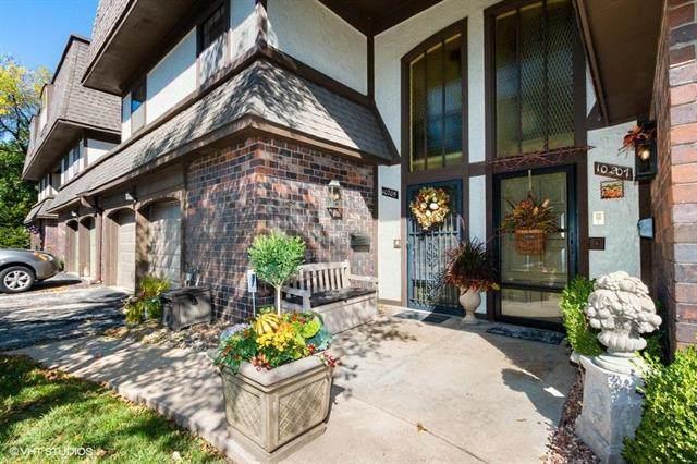 10205 Cedarbrooke Lane, Kansas City, MO 64131 (#2246158) :: Ron Henderson & Associates