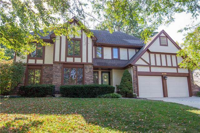 11294 Hadley Street, Overland Park, KS 66210 (#2246159) :: Dani Beyer Real Estate