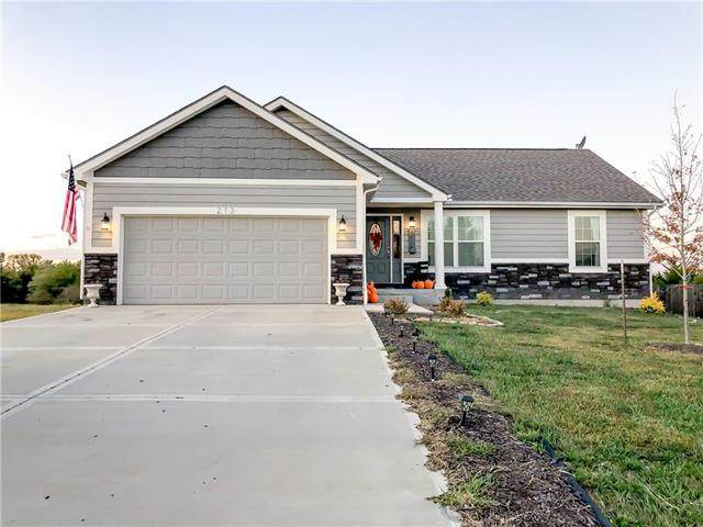 213 Meadowbrook Lane, Wellsville, KS 66092 (#2246170) :: House of Couse Group