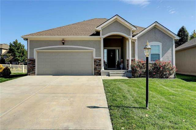 3345 SW Jessie Circle, Lee's Summit, MO 64082 (#2246212) :: The Shannon Lyon Group - ReeceNichols