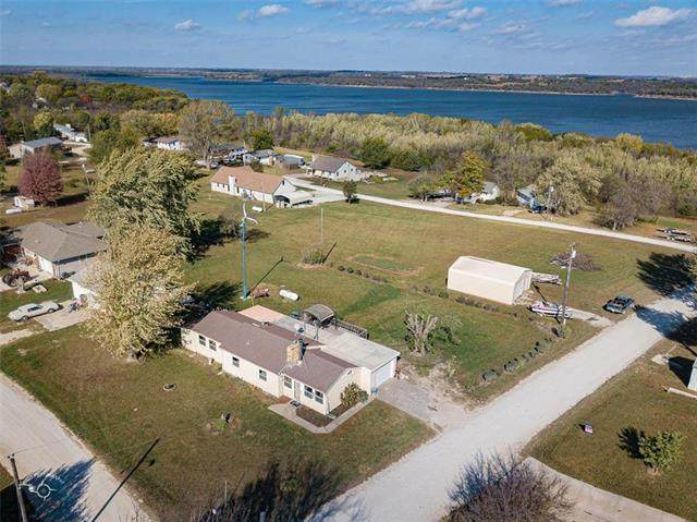 2688 Neill Parkway, Vassar, KS 66543 (#2246237) :: The Shannon Lyon Group - ReeceNichols
