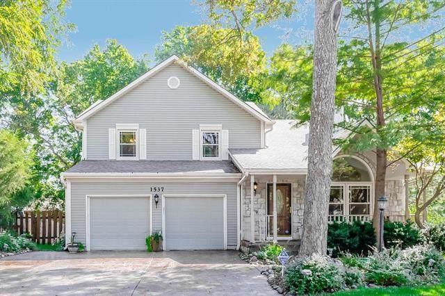 1537 NE Neawanna Drive, Lee's Summit, MO 64086 (#2246366) :: Dani Beyer Real Estate